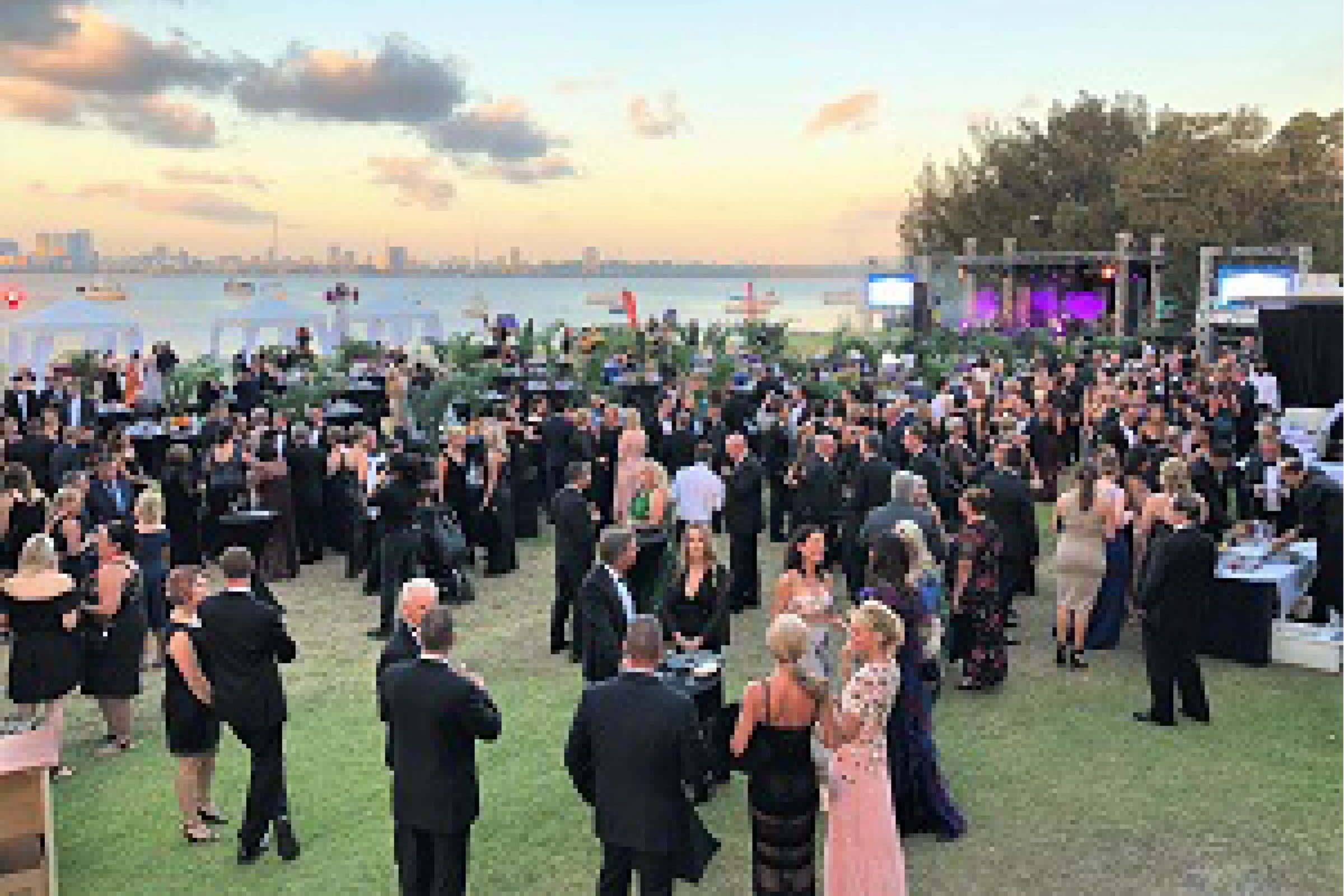 venue lawn hire at mounts bay sailing club in perth for corporate functions